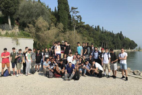 Studenti del Gigli a Sirmione per visitare le grotte di Catullo